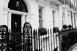 An image of the Harley Street Health Centre front door