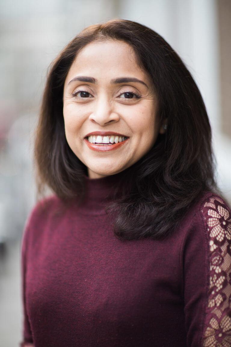 Dr Riffat Ara
